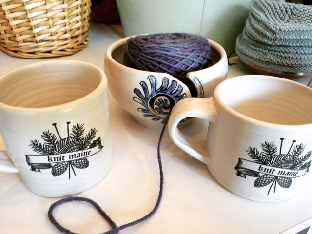 knit maine mug with yarn